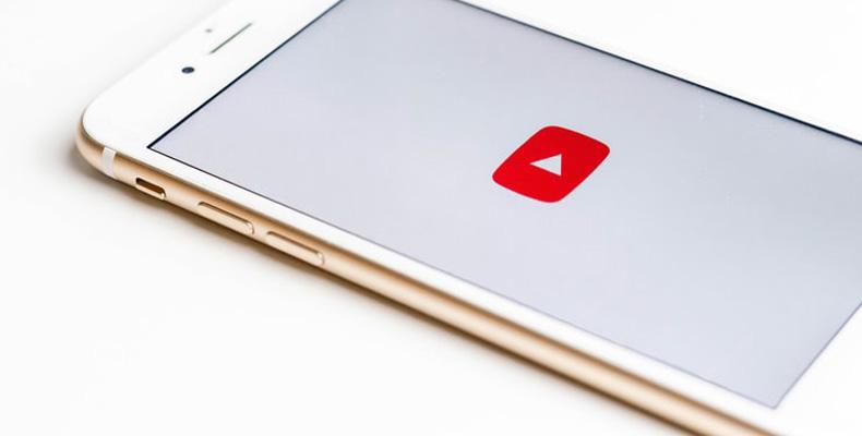 NEWS4TEACHER | Schule bekommt einen Grimme-Preis – für ihre YouTube-Show während der Schulschließungen