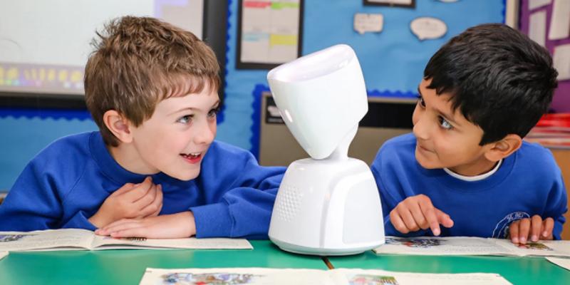 NO ISOLATION | Die Augen, Ohren und Stimme des Kindes im Klassenzimmer